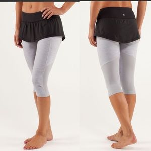 Lululemon cropped pants with attached skirt size 6